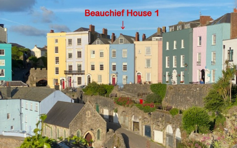 Beauchief House 1 Self Catering Apartment Tenby Pembrokeshire Location